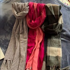 Assorted scarves.